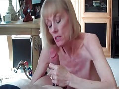 Head from an amateur mature girl makes him cum tubes