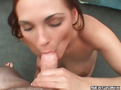 Dark red hair on hottie sucking off her man tubes