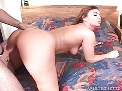 Hottie rides a boner and sucks cock in hotel room tubes