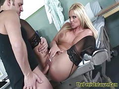Phoenix marie - big ass milf nailed hard and give a good blowjob 2 tubes