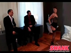 Threesome with a skinny girl in lingerie kicks off tubes