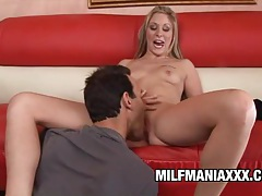 Malia - beautiful mommy gets worshipped and screwed tube