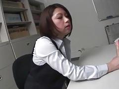 Secretary masturbates her solo japanese pussy tubes