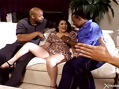 Curvy wife does interracial double penetration tubes