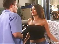 Bj and fuck in the garage with a latina tubes