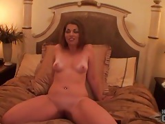 Brunette amateur models her cunt in bed tubes