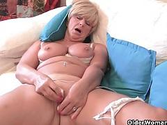 Chubby grandma with big old tits fucks a vibrator tubes