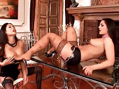 Foot fetish fun with two hot chicks tubes