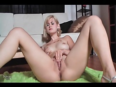 Beautiful lean body blonde masturbates pussy tubes