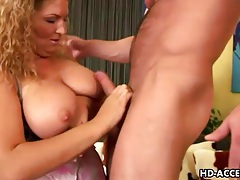 Curvy mature girl balled in her pussy from behind tubes