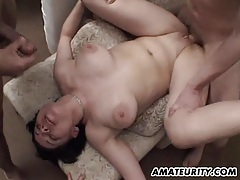 Amateur girlfriend takes huge loads of cum on her face tubes
