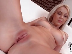 Cute blonde with a gorgeous bald pussy tubes
