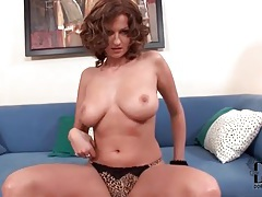 Big boobs are sexy in a leopard print bra tubes