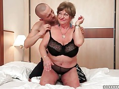 Fat old slut takes toy from young horny guy tubes
