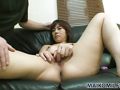 He holds her hips for doggystyle cunt fuck tubes