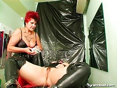 Mistress inserts catheter into sub girl tubes