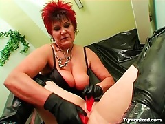 Mature mistress double toy fucks sub girl tubes