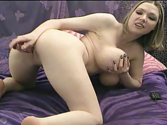 Webcam blonde has an amazing set of tits tubes