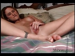 Beautiful young lady alone and masturbating tubes
