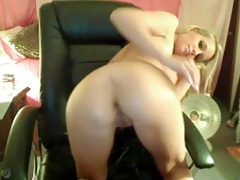 Mind blowing blonde hottie with fake tits tubes