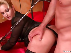 Man on leash fucks his mistress passionately tubes