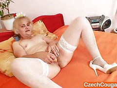 Wife dominika old pussy gaping and masturbation tubes