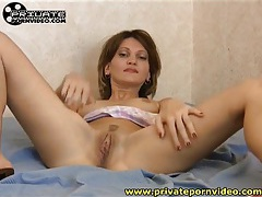 Pussy eating gets her wet for dildo sex tubes