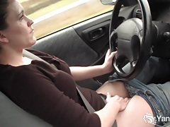 Sexy lou driving and rubbing her wet pussy tubes