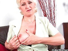 Granny with big tits finger fucks her sweet matured pussy tubes