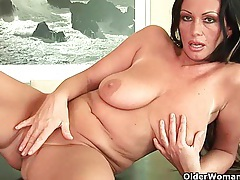 Sweet matured milf with big tits and creamy pussy tubes