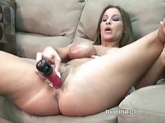 Mature hottie leeanna fucks her toy tubes