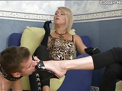 He licks the feet of sexy femdom girls tubes