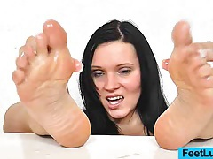 Ema black oily feet tubes
