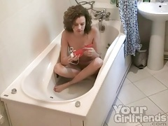 Bathtub masturbation with curly hair girl tubes