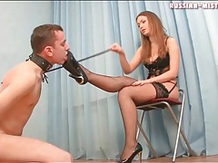 He dutifully licks the heels and feet of sexy girl tubes