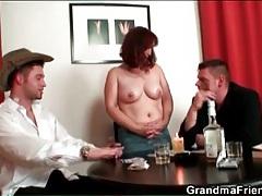 Mature loses at strip poker and gets naked tubes