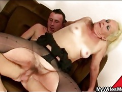 Young guy fucks old blonde in ripped pantyhose tubes