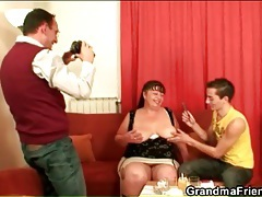 Brunette mature bbw gives young guy blowjob tubes