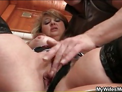 Mature cunt fingered in her bathroom tubes