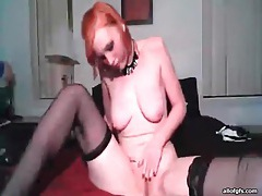 Redhead webcam chick fucks box with dildo tubes