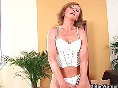 Older woman with small breasts and hot body tubes