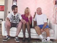 Blonde amateur swinger gets screwed tube