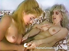 Vintage lesbian porn with milf chicks tubes