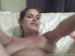 Brunette amateur makes herself cum tubes