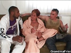 Granny sucks black and white dicks tubes