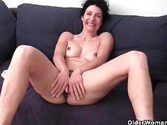 Granny in soaked panties fingering hairy and swollen cunt tubes