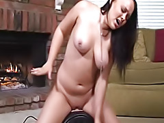 Amber Peach on Sybian tubes