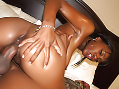 Big ass black chick rides tubes