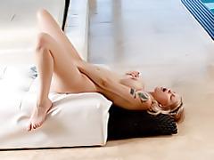 Hot blonde masturbating lustily tubes