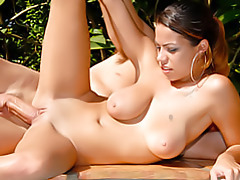 Shaved Latina fucked outdoors tubes